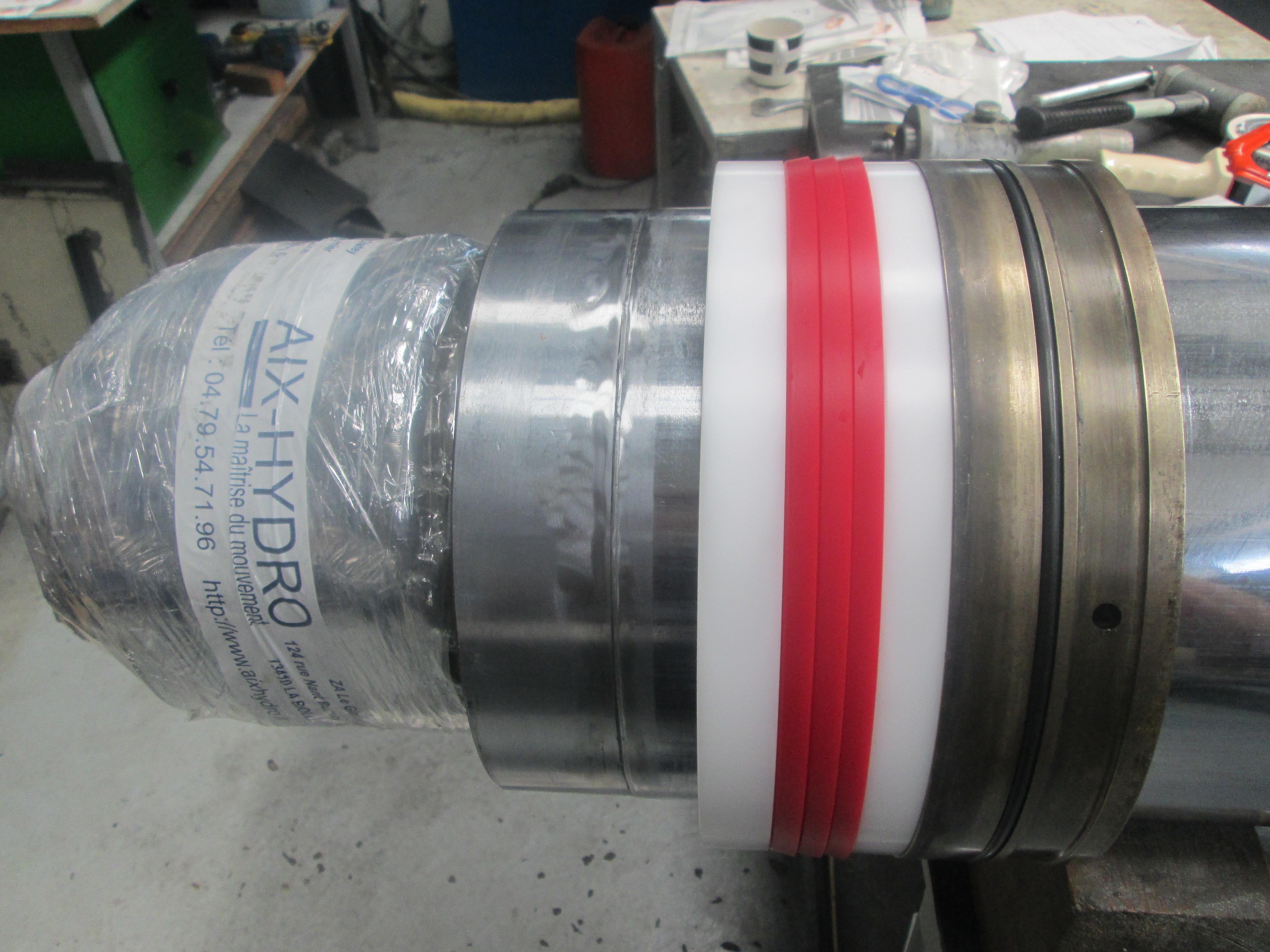 SRPM (centre de recyclage) : réparation vérin de presse 200T